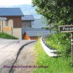 1 à l'entrée du village
